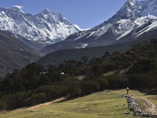 """Inodoros """"ecológicos"""" a 7 mil metros de altitud en el Everest"""