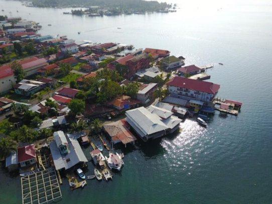 Seis empresas presentan propuestas para obras de revitalización turística en Isla Colón