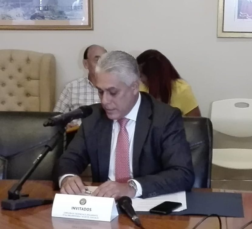 Directivo del Canal es acusado de estafa