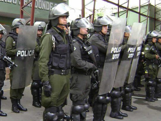 Policía boliviana afronta fuerte crisis por denuncias de vínculos con narcotráfico