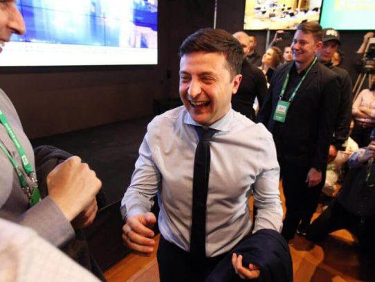 Ucrania abre un nuevo capítulo de su historia tras la victoria del cómico Zelenski
