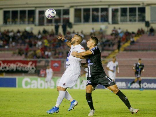 'SanFra'-Plaza y Sporting-Tauro, por el pase a semifinales de la LPF