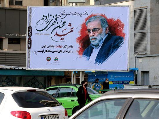 Irán entierra al científico asesinado y promete redoblar su trabajo