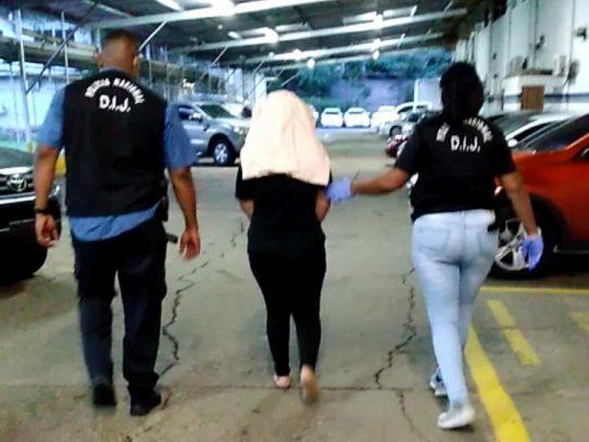 Imputan cargos contra la madre de niño de 2 años asesinado a golpes
