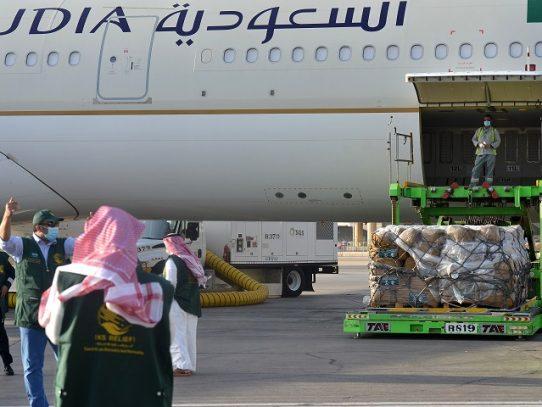 Arabia Saudita suspende vuelos internacionales por la variante del virus