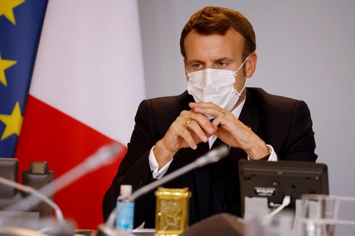 Macron, interrumpido por Putin tras problema técnico en cumbre del clima