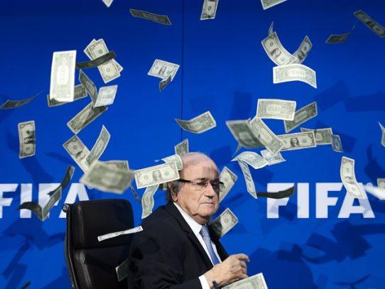 La FIFA presenta una denuncia en Suiza contra Blatter