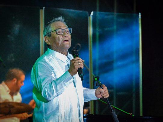 Murió el compositor mexicano Armando Manzanero por covid-19