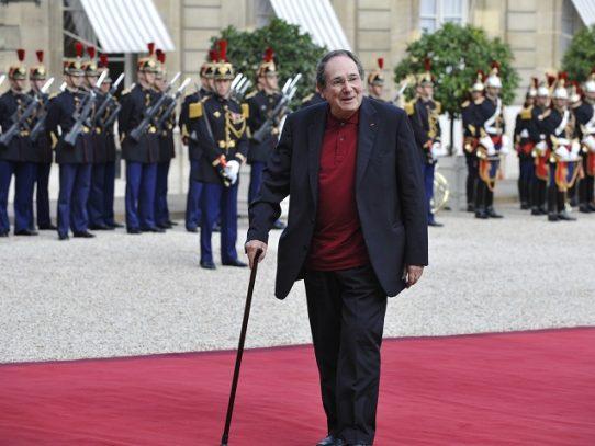 Muere la leyenda del teatro francés Robert Hossein a los 93 años