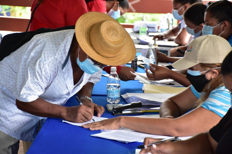 Gobierno desembolsará 50.6 millones a beneficiarios de programas sociales