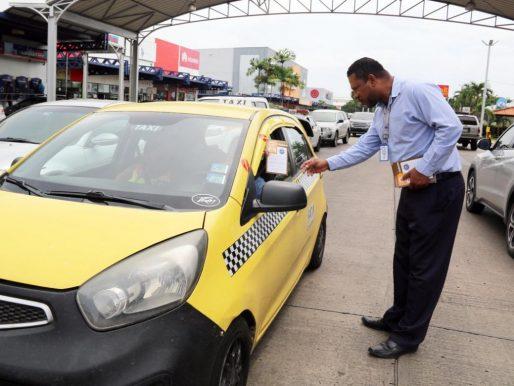 ATTT mantiene circulación de taxis por el último dígito de la placa