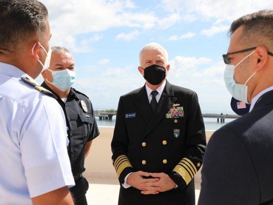 Jefe del Comando Sur destaca la importancia de Panamá como líder en combate del narcotráfico en la región