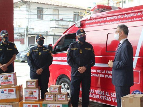 República Popular de China dona ambulancia e insumos a los bomberos