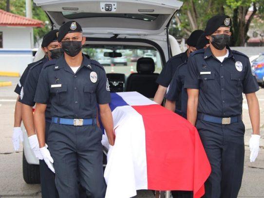 Dan el último adiós al joven policía asesinado en Felipillo