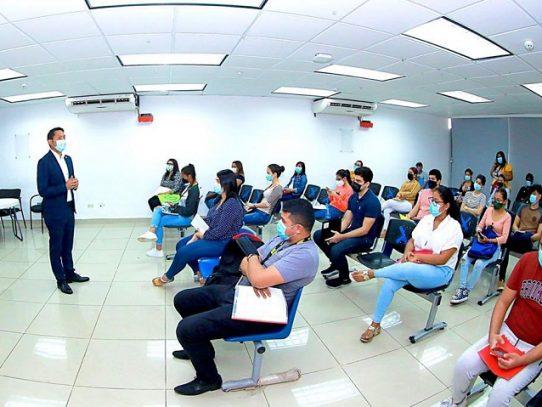Ifarhu anuncia a los estudiantes universitarios las fechas de cobro