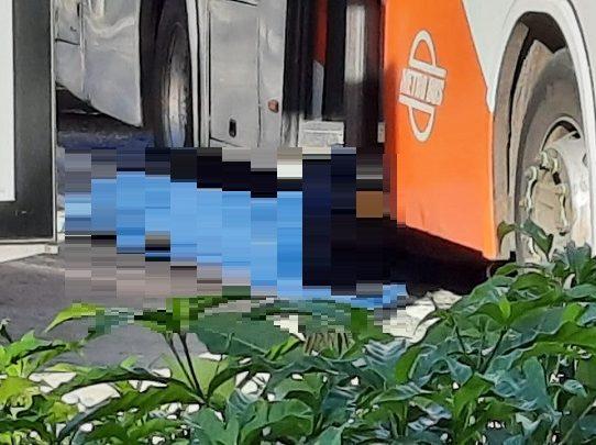 Un muerto por riña dentro de un metrobus en la Cinta Costera