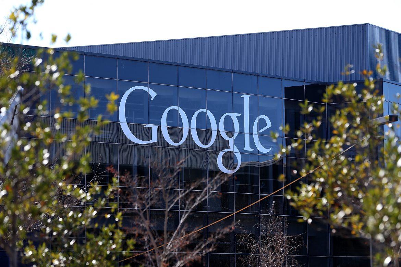 """Francia impone multa de 1 millón de euros a Google por una """"clasificación engañosa"""" de hoteles"""