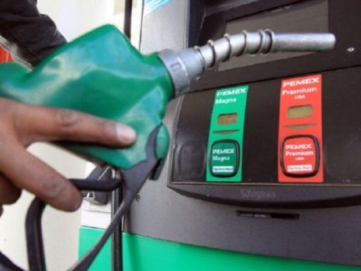 Leve baja en los precios del combustible a partir de este viernes
