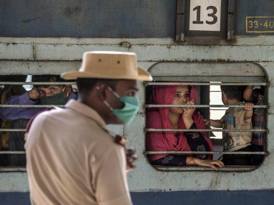 Los trenes del virus: cómo el caos de la cuarentena propagó el COVID-19 por toda India