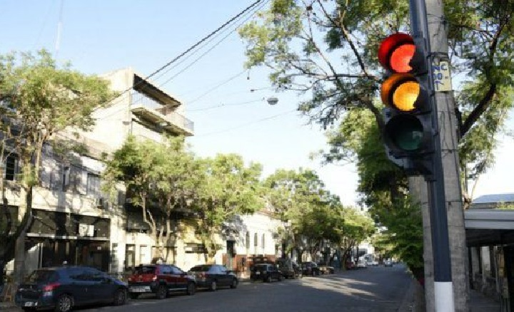 Consejo de Gabinete contrata empresa por $3 millones para colocar semáforos inteligentes
