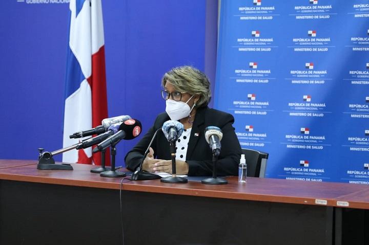 Viceministra defiende aplicación de segunda dosis a vacunados en el extranjero