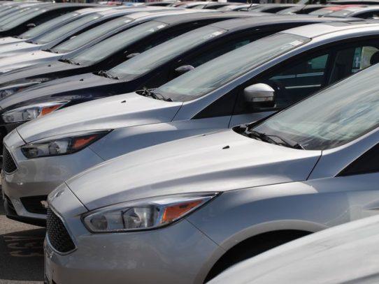 La industria automóvil enciende las luces de emergencia ante la escasez de chips