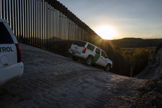 Familias migrantes son un reto conocido para el funcionario elegido por Biden