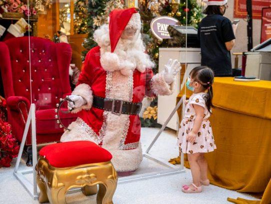 Florida autoriza a Santa Claus a trasladar renos y entrar a los hogares, pero con tapabocas