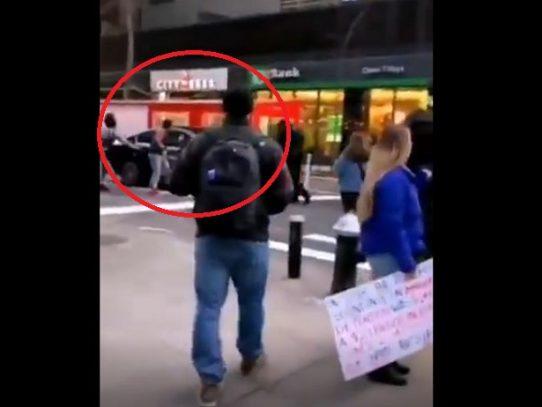 "Un auto embiste a ""múltiples"" manifestantes en Nueva York"