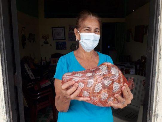 Gobierno asegura que distribuye más de 800 mil piezas de cerdo y pavipollos
