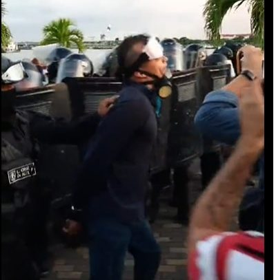Segundo día de protestas en las inmediaciones de la Asamblea