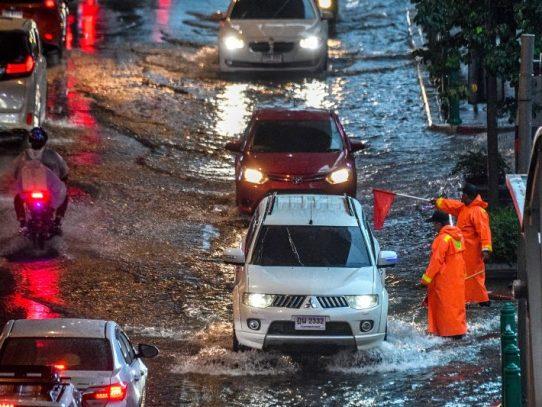 Inundaciones repentinas en el sur de Tailandia provocan nueve muertos