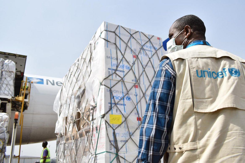 UNICEF planifica transportar hasta 850 toneladas de vacunas por mes en 2021