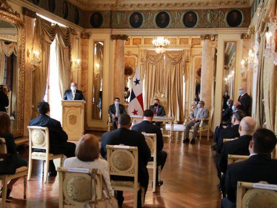 Presidente Cortizo instala a nuevos miembros de la Junta Directiva de la CSS