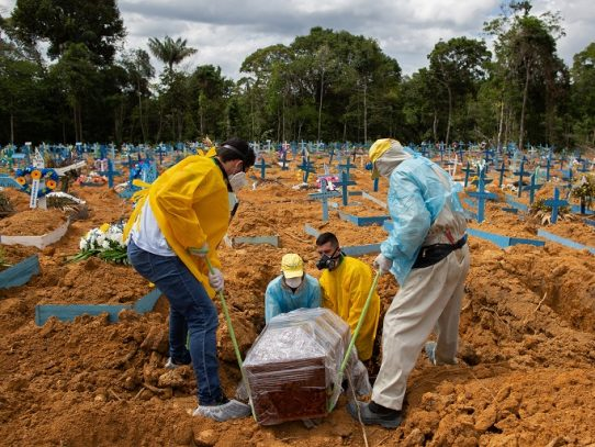 La pandemia de coronavirus ya deja más de 200.000 muertos en Brasil