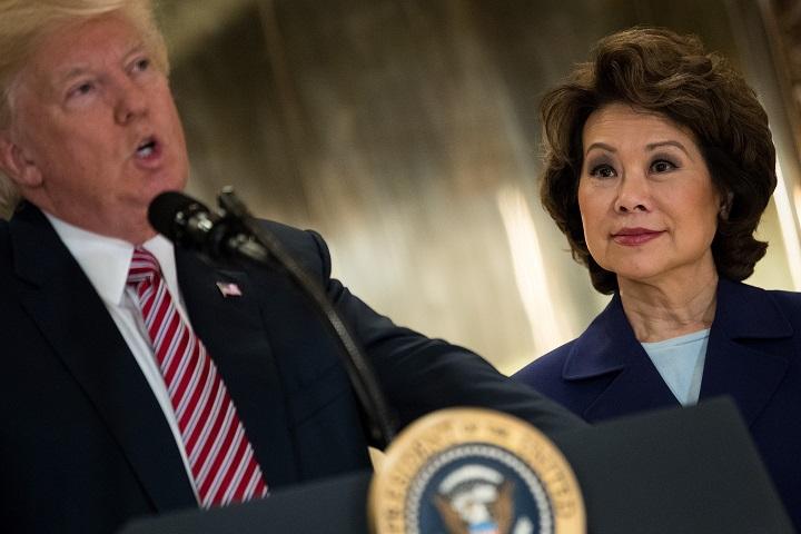Secretaria de Transporte encabeza renuncias de alto nivel en la Casa Blanca
