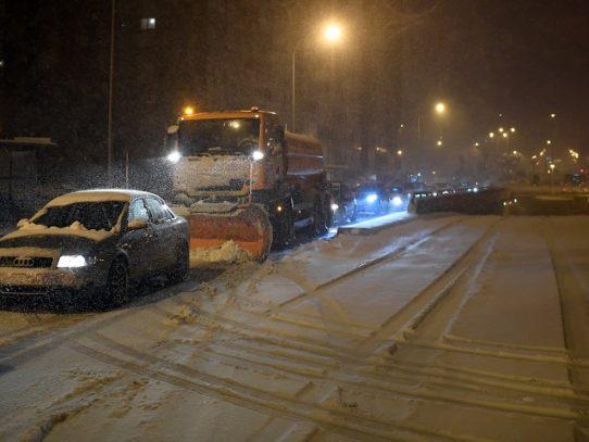 Caos en las carreteras españolas por una de las mayores nevadas de las últimas décadas