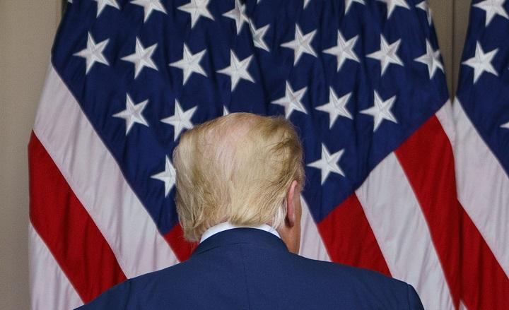 Trump pasa su último día en la Casa Blanca y Biden va para Washington