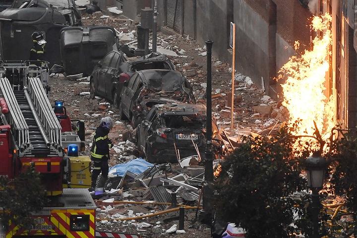 Al menos tres fallecidos en una fuerte explosión en un edificio de Madrid