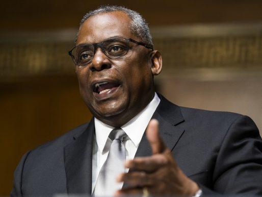 El Senado de EE.UU. confirma a Lloyd Austin como el primer jefe negro del Pentágono