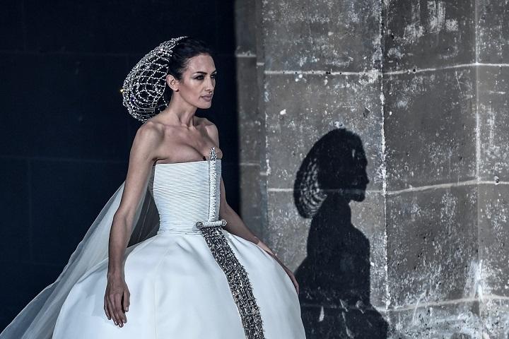 Las Meninas cobran vida en la alta costura de Stéphane Rolland