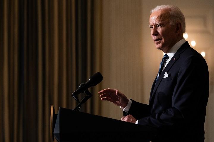 Biden revocará las normas que limitan el acceso al aborto