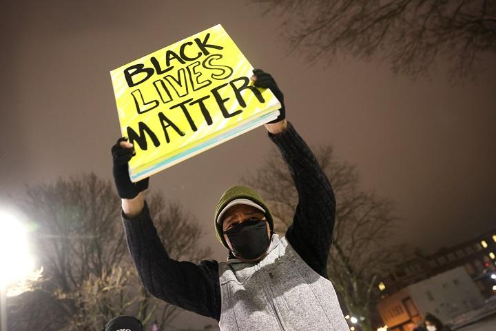 Ningún policía será inculpado por disparar contra afroestadounidense Jacob Blake