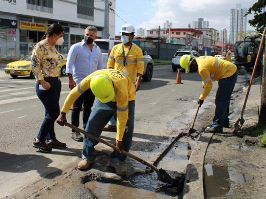 """MOP inicia programa """"Manos a la Obra 2021"""" para dar mantenimiento las vías de Panamá y Panamá Oeste"""