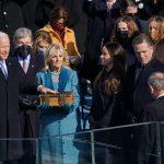 Biden asume como presidente en medio de la crisis