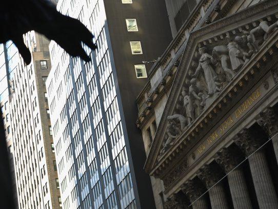 Wall Street dispar al inicio de temporada de resultados de empresas