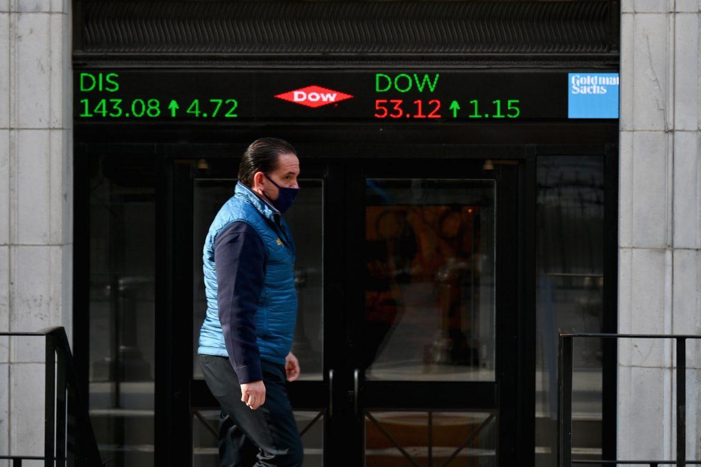Wall Street cierra prácticamente estable