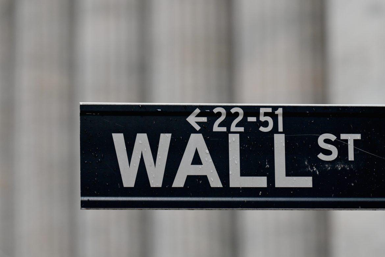 Su peor semana en tres meses la cerró hoy Wall Street: Dow Jones -2,03%, Nasdaq -2,00%