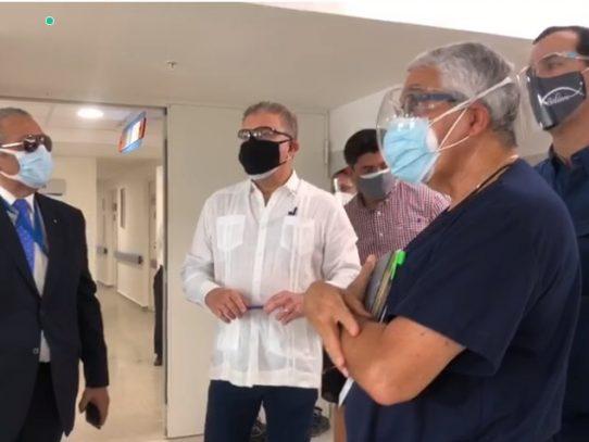 Presidente del COEL recorre instalaciones del hospital Covid