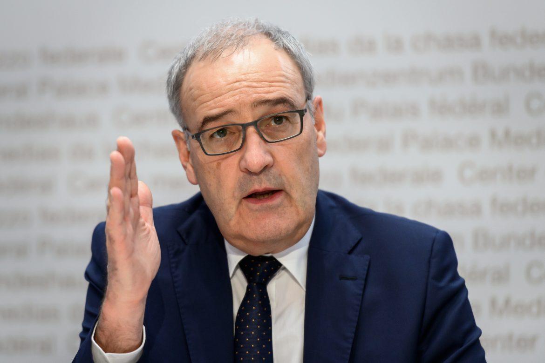 Presidente de la Confederación Suiza reconoce errores en la gestión del covid-19